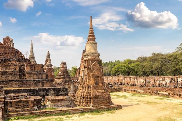 Historischer park von ayutthaya in thailand