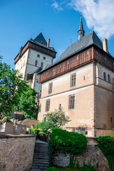 Historisches gotisches schloss in karlstejn, tschechische republik
