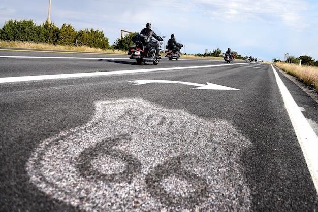 Historisches straßenschild der route 66