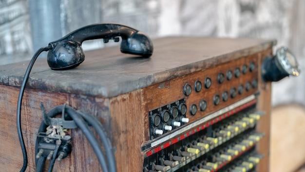 Historisches telekommunikationssystem. alte vintage telefonzentrale.