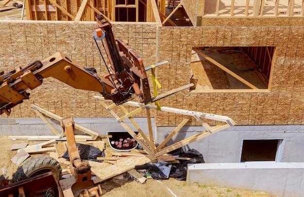 Hochbau, holzrahmenstruktur am neuen grundstücksentwicklungsstandort