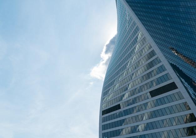 Hochhäuser des geschäftszentrums des moskauer bezirks moscowcity gegen den daysky
