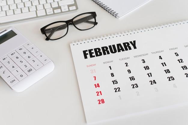 Hochsicht briefpapier februar monatskalender