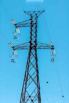Hochspannungs-stromübertragungsturm