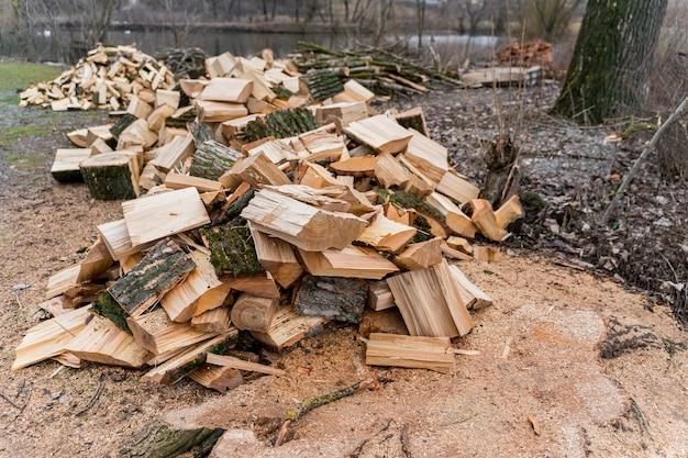 Hochwinkelholz für lagerfeuer