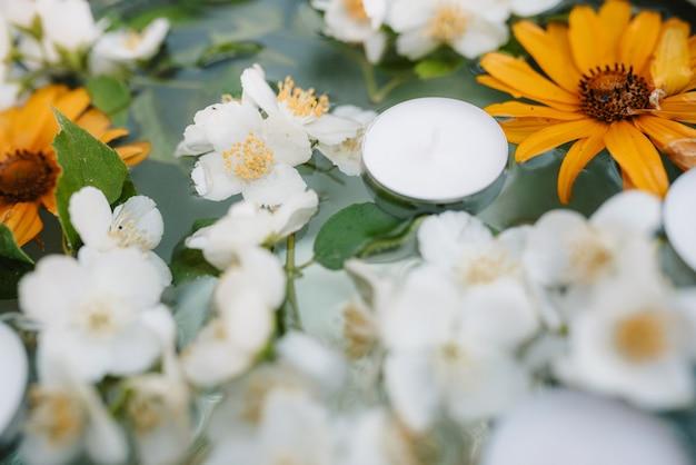 Hochzeitsdeko mit natürlichen elementen
