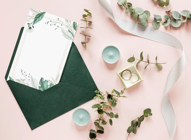 Hochzeitsdekorationen und einladung