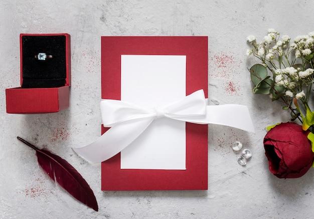 Hochzeitskarte mit blumenschmuck