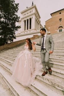 Hochzeitspaare in rom, italien