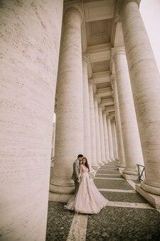 Hochzeitspaare in vatikan, rom, italien