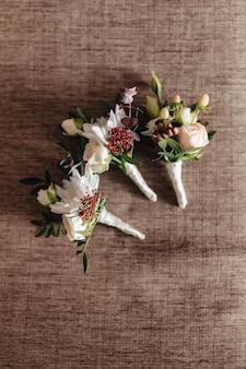 Hochzeitsstrauß und hochzeitsdekoration, blumen und hochzeitsblumengestecke
