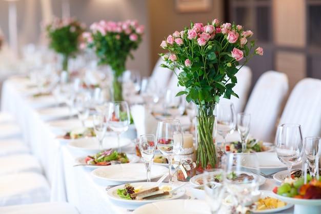 Hochzeitstafeleinstellung