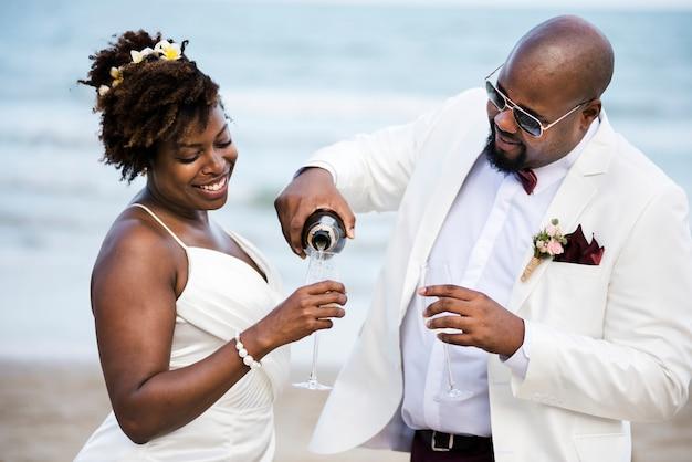 Hochzeitstag des afroamerikanischen paares