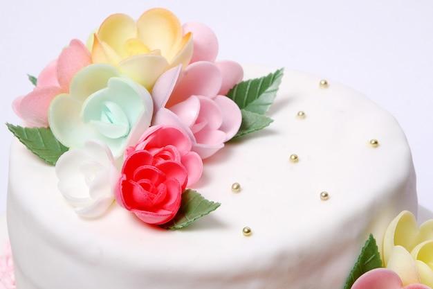Hochzeitstorte mit farbe flores