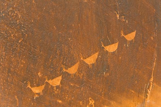 Höhlenmalerei auf einem felsen, glen canyon national recreation-bereich, arizona-utah, usa