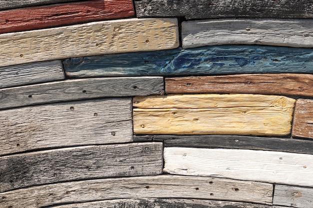 Hölzer in verschiedenen farben und formen