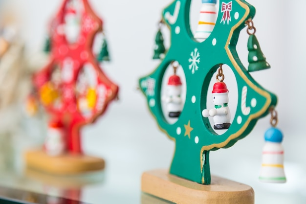 Hölzerne weihnachtspuppen