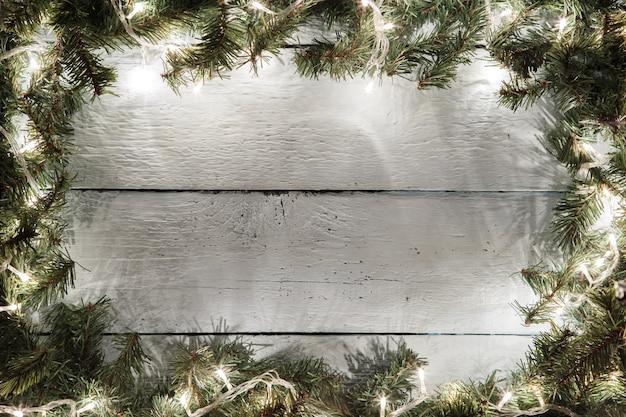 Hölzerner hintergrund der festlichen weihnachten und des neuen jahres mit dekoration