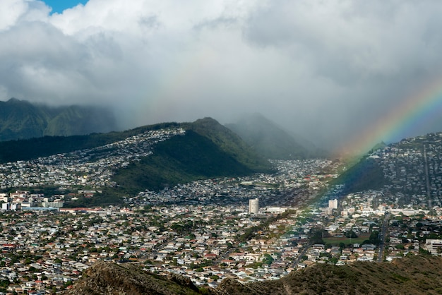 Hohe winkelsicht der stadt angesehen von diamond head, kapahulu, honolulu, oahu, hawaii, usa