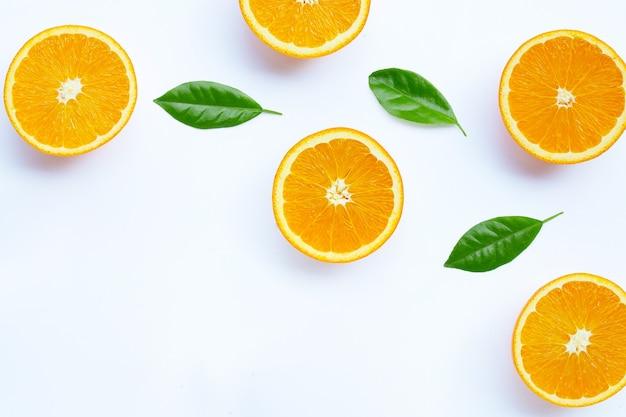 Hoher vitamin c, saftig und süß. frische orangenfrucht