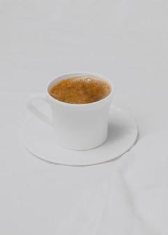 Hoher winkel des morgenkaffees