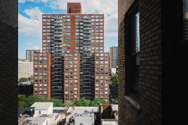 Hohes wohngebäude in new york city