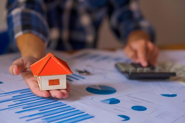 Holdinghaus, das wohneigentum und das immobiliengeschäft darstellt.
