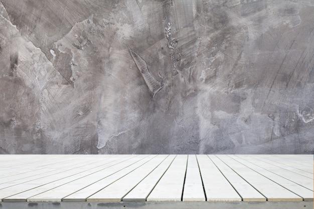 Holz schreibtisch mit zement wand textur abstrakten hintergrund