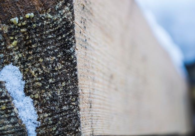 Holzbalken hinterer teil des balkens