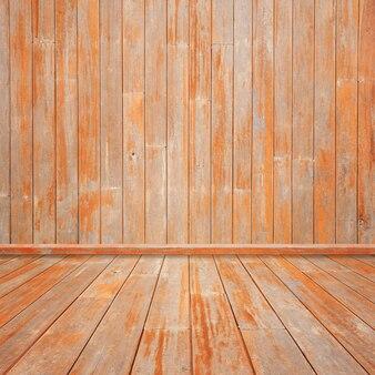 Holzdielen mit holzwand