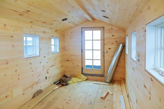 Holzhaus ist im bau von holzwänden