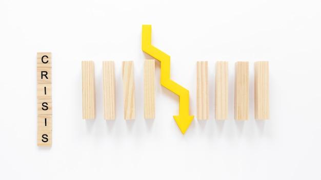 Holzklötze und pfeil