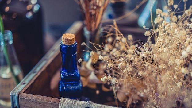 Holzkorken auf glasflasche