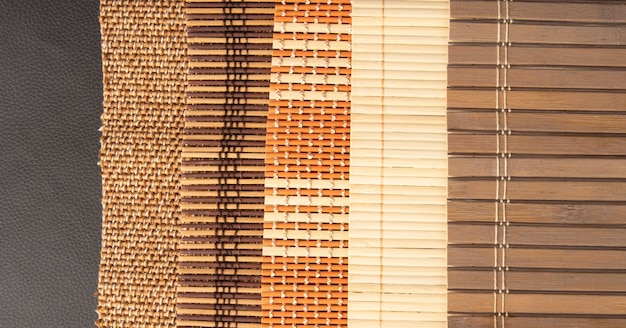 Holzmatte, alle details, texturen und farben einer holzmatte, draufsicht.