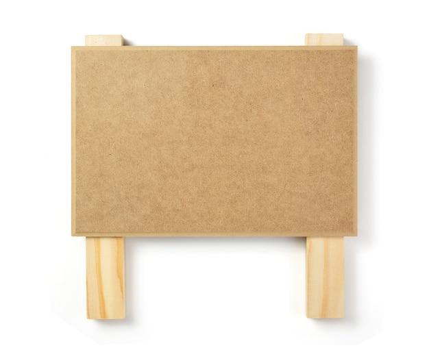 Holzschild isoliert auf weißem hintergrund