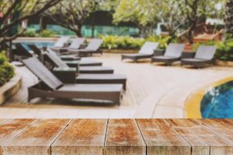 Holzspaziergang Im Freien im Bodenwohnpool.
