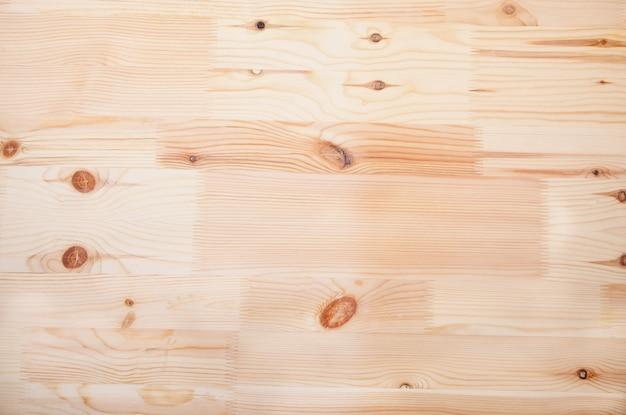 Holzuntergrund.