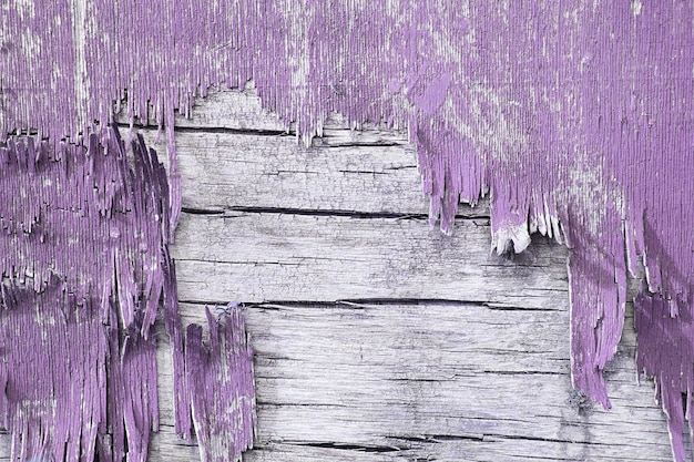 Holzwand mit abblätternder farbe. malen sie abblätternde putzwände. alter hölzerner gemalter rustikaler hintergrund, farbschälen