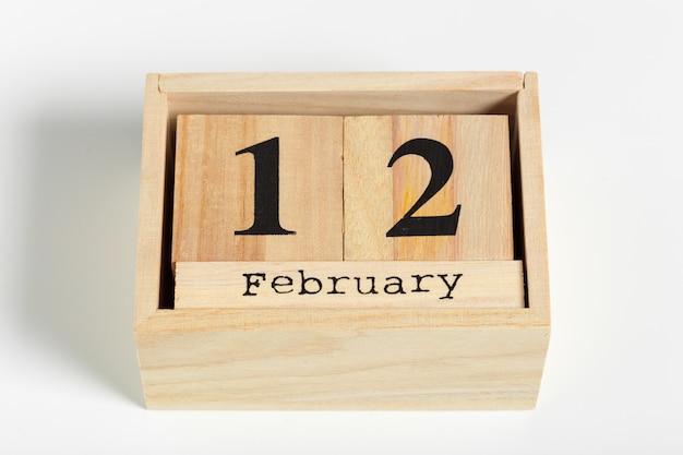 Holzwürfel mit datum. 12. februar