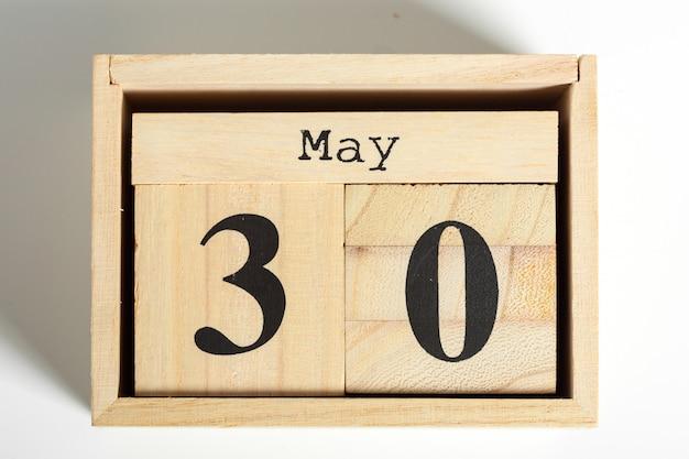 Holzwürfel mit datum. 30. mai