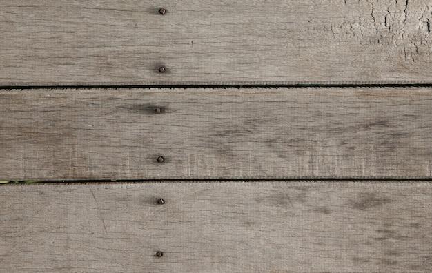 Holzzaun mit nägeln