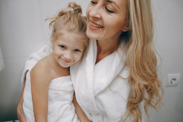 Home weibliche sorgfalt saubere zähne