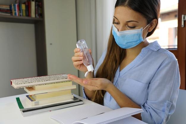 Home working, auto quarantäne, antiseptikum, hygiene und gesundheitswesen konzept.