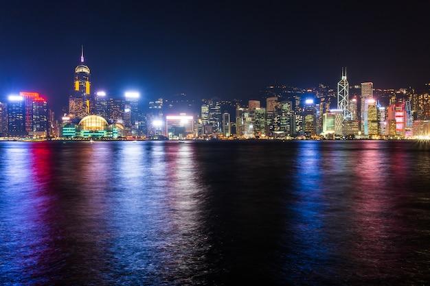 Hong kong skyline kowloon vom fei ngo shan hügel sonnenuntergang