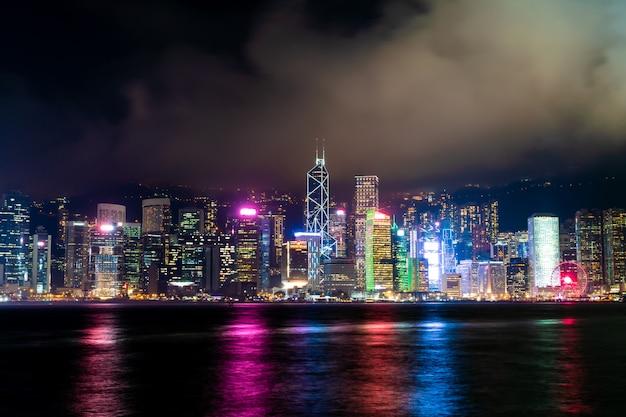 Hong kong stadtskyline bei nacht