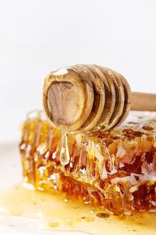 Honig in waben