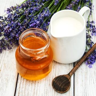 Honig und lavendel