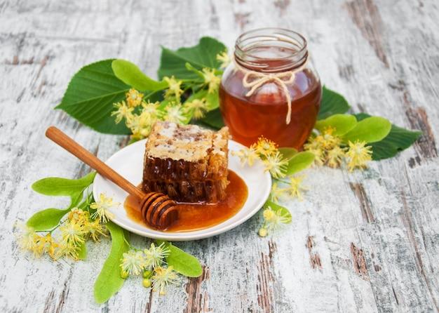 Honig und lindenblüten