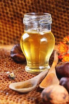 Honig und nüsse