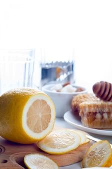 Honig, zitrone und ingwer tonic